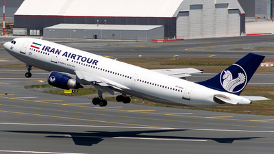 A picture of EPMDU - Airbus A300B4605R - Iran Airtour - © Arman Haliloglu