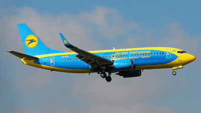 UR-GBD - Boeing 737-36Q - Ukraine International Airlines