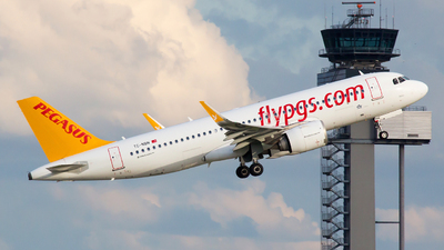 A picture of TCNBN - Airbus A320251N - Pegasus Airlines - © Rainer Spoddig