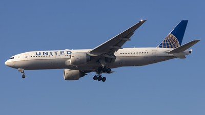 A picture of N77019 - Boeing 777224(ER) - United Airlines - © Fabricio Lucio