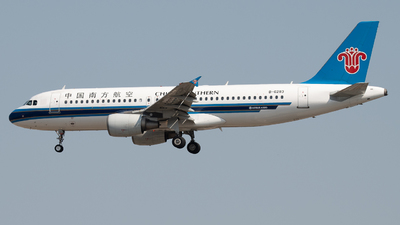 A picture of B6283 - Airbus A320214 - China Southern Airlines - © LeoRay