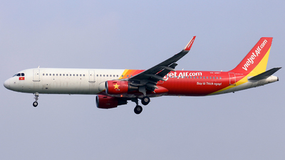 A picture of VNA667 - Airbus A321211 - VietJet Air - © Toanla_SFAP