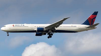 A picture of N833MH - Boeing 767432(ER) - Delta Air Lines - © Felipe Oliveira - oliver_spotting