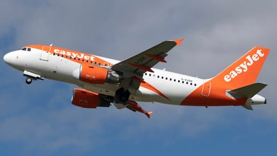 A picture of GEZDF - Airbus A319111 - easyJet - © Ian McGregor