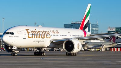 A6-EWC - Boeing 777-21HLR - Emirates