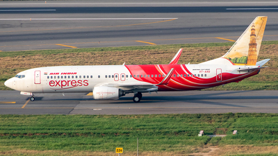 VT-AXQ - Boeing 737-8HG - Air India Express