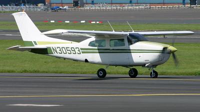 N30593 - Cessna 210L Centurion II - Private