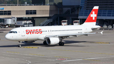 A picture of HBJLQ - Airbus A320214 - Swiss - © TJDarmstadt