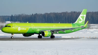 A picture of VPBPC - Airbus A321211 - S7 Airlines - © Timofey Panteleev