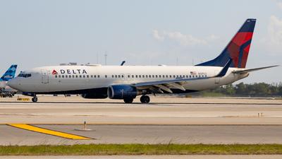 N3753 - Boeing 737-832 - Delta Air Lines