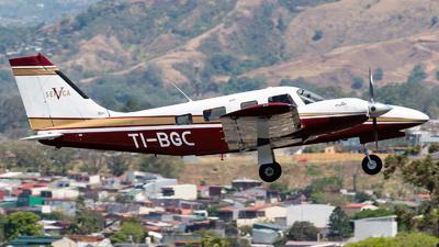 TI-BGC - Piper PA-34-220T Seneca V - Aerocaribe