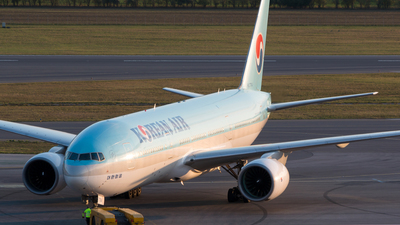 HL7714 - Boeing 777-2B5(ER) - Korean Air