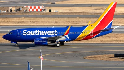 N962WN - Boeing 737-7H4 - Southwest Airlines