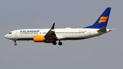A picture of TFICN - Boeing 737 MAX 8 - Icelandair - © Seres23