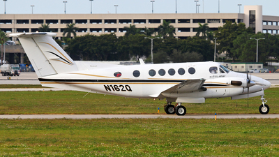 N162Q - Beechcraft 200 Super King Air - Private