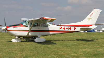 PH-HLF - Reims-Cessna F182P Skylane - Cessair