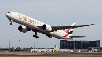 A6-ENU - Boeing 777-31HER - Emirates