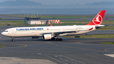 A picture of TCJOF - Airbus A330303 - Turkish Airlines - © OCFLT_OMGcat