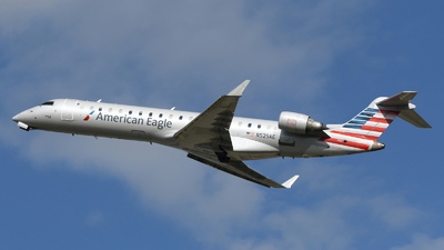 A picture of N525AE - Mitsubishi CRJ702ER - American Airlines - © DJ Reed - OPShots Photo Team