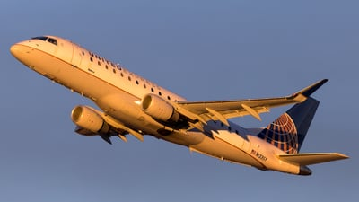 A picture of N133SY - Embraer E175LR - United Airlines - © HA-KLS