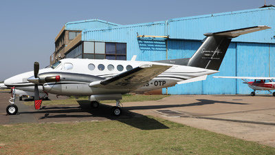 ZS-OTP - Beechcraft 200 Super King Air - Seasons in Africa
