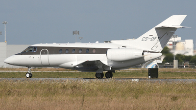 CS-DFY - Raytheon Hawker 800XP - NetJets Europe
