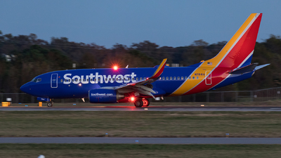 N7841A - Boeing 737-7L9 - Southwest Airlines