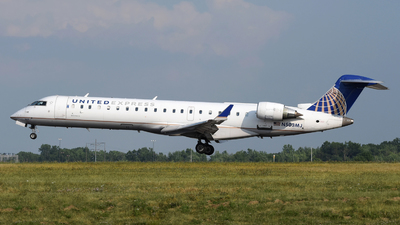 A picture of N503MJ - Mitsubishi CRJ701ER - United Airlines - © DJ Reed - OPShots Photo Team