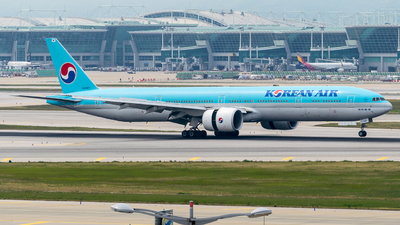 HL8007 - Boeing 777-3B5ER - Korean Air