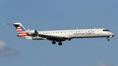 A picture of N911FJ - Mitsubishi CRJ900ER - American Airlines - © DJ Reed - OPShots Photo Team