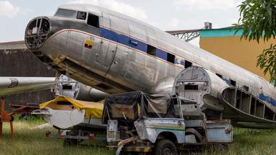 HK-4045 - Douglas DC-3 - Untitled