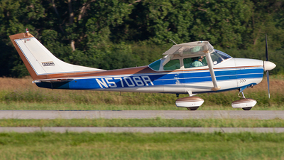 N5706R - Cessna 182F Skylane - Private