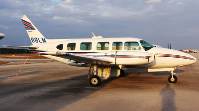 A picture of N888LM - Piper PA31350 - [317405464] - © André Du-pont  (Mexico Air Spotters)