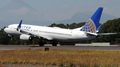A picture of N78540 - Boeing 737824 - United Airlines - © Julio Letona