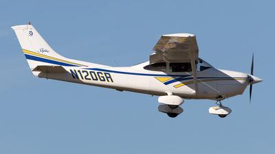 A picture of N120GR - Cessna 182S Skylane - [18280430] - © Yixin Chen