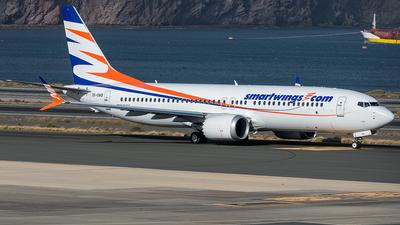 A picture of OKSWB - Boeing 737 MAX 8 - Smartwings - © Adolfo Bento de Urquía