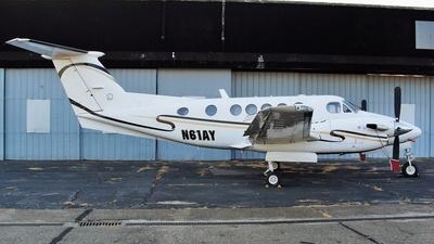 N61AY - Beechcraft 200 Super King Air - Private