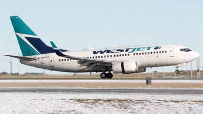 A picture of CGWSO - Boeing 7377CT - WestJet - © Paul Nitychoruk