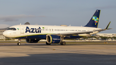 A picture of PRYRK - Airbus A320253N - Azul Linhas Aereas - © Paulo H Goncalez