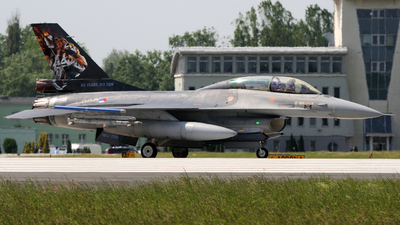 J-882 - General Dynamics F-16B Fighting Falcon - Netherlands - Royal Air Force