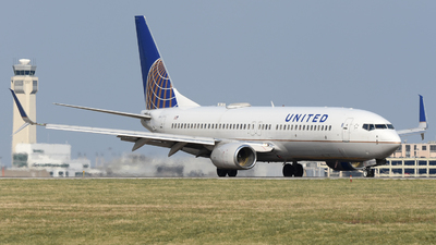 A picture of N16217 - Boeing 737824 - United Airlines - © DJ Reed - OPShots Photo Team