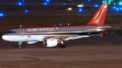 N354NB - Airbus A319-114 - Northwest Airlines