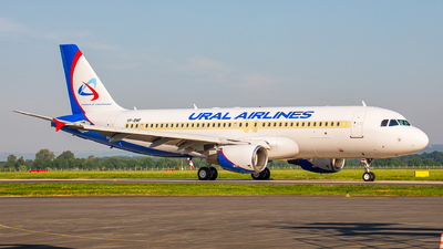 VP-BMF - Airbus A320-214 - Ural Airlines