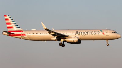 A picture of N163AA - Airbus A321231 - American Airlines - © DreamRiser