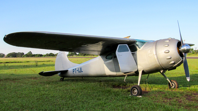 PT-IJL - Cessna 195 - Private