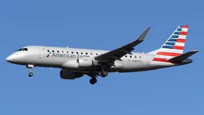 A picture of N425YX - Embraer E175LR - American Airlines - © DJ Reed - OPShots Photo Team