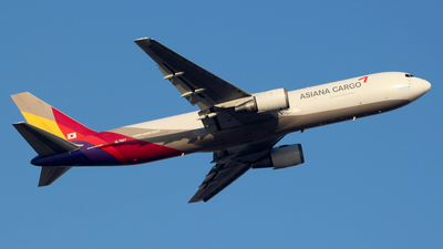 HL7507 - Boeing 767-38EF(ER) - Asiana Cargo