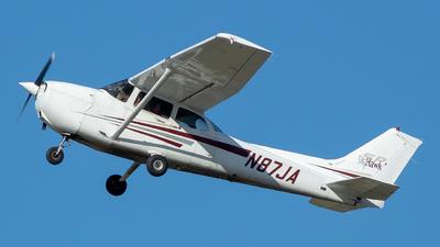 A picture of N87JA - Cessna 172S Skyhawk SP - [172S8012] - © Stephen J Stein