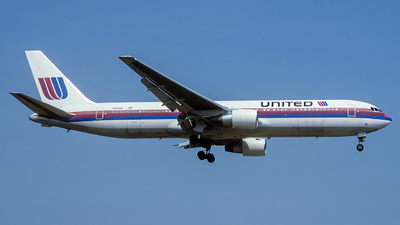 N645UA - Boeing 767-322(ER) - United Airlines