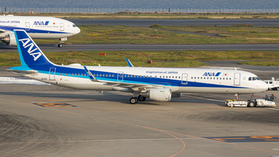 A picture of JA112A - Airbus A321211 - All Nippon Airways - © taiseikondo